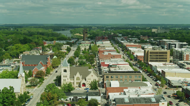Ascending Drone Shot of Vermont St and Massachusetts Street in Lawrence, Kansas video