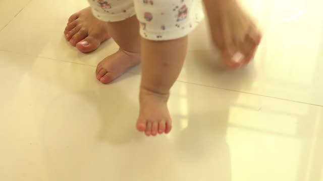 asia baby walk with mother video