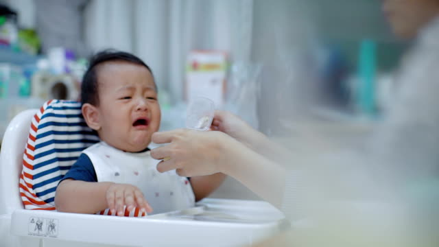 Asian Baby refused to eat (6-11 months) at dining table video