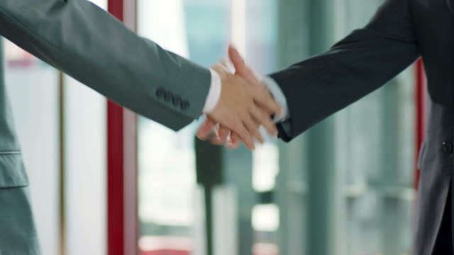 アジア ビジネスの人々 が手を振って ビデオ