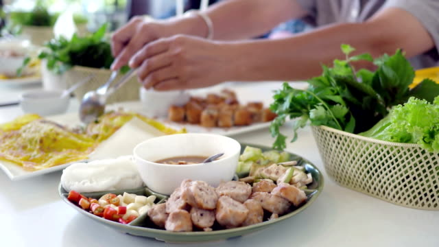 asian eating , vietnamese style food video