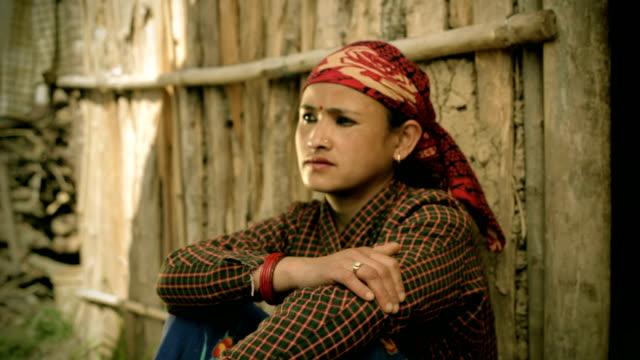 アジア名様:マチュアネパールの肖像画の女性を表現しています。 - ネパール人点の映像素材/bロール
