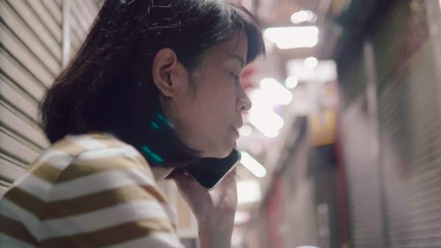 アジアの女性のストレス - 経済破綻点の映像素材/bロール