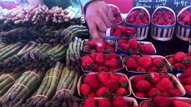 vidéos et rushes de asperges et fraises - aix en provence