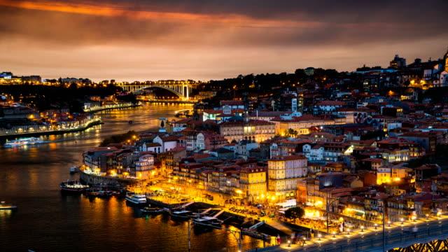 vídeos de stock, filmes e b-roll de d2n t/l a dom luís que eu ponte, porto, portugal - vinho do porto