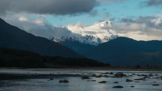D2N T\L an Neuseeland Naturlandschaft am Hasst – Video