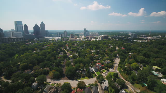 Atlanta Aerial v325 Flying low around Ansley Park area sunny cityscape