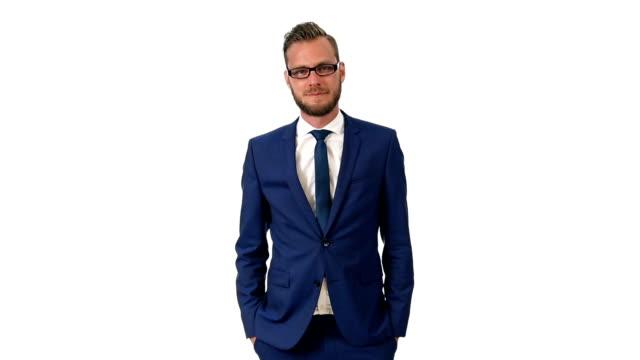 魅力的なビジネスマンにスーツ - 上半身点の映像素材/bロール