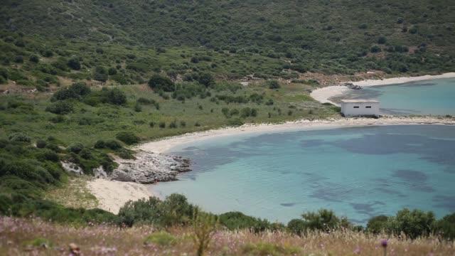 attraktiv natur och havsutsikt från någonstans i turkiet. detta område är fridfullt ställe. anatolia/turkiet 11/04/2015 - anatolien bildbanksvideor och videomaterial från bakom kulisserna