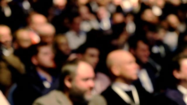 publikum hört zu den dozenten - konferenz stock-videos und b-roll-filmmaterial