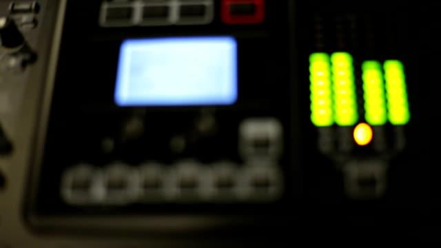 vidéos et rushes de audio niveaux mesure - batteur électrique