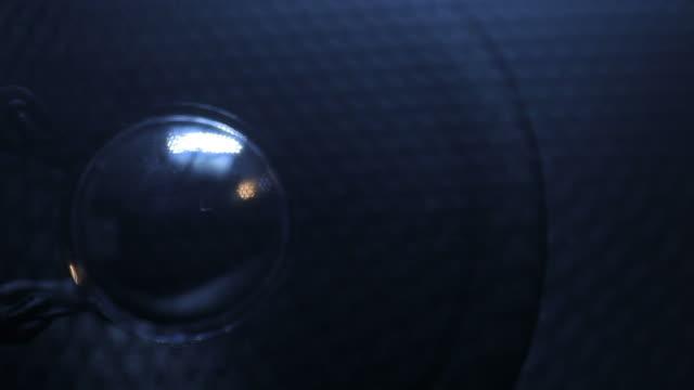 altoparlante audio - rack focus video stock e b–roll