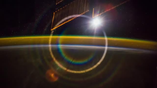 stockvideo's en b-roll-footage met aurora over de aarde gezien vanuit de ruimte 4 k time-lapse - ozonlaag