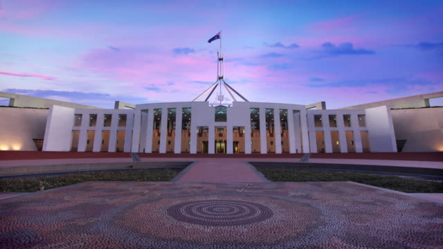 australian parliament house, canberra, australia - democrazia video stock e b–roll
