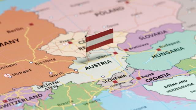 vídeos y material grabado en eventos de stock de austria con la bandera nacional - austria