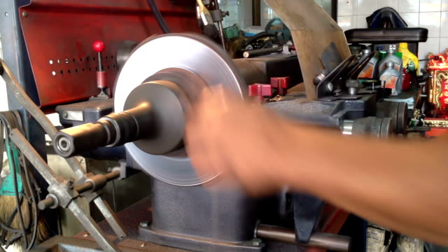 auto mechanical work, disc brake Repair video