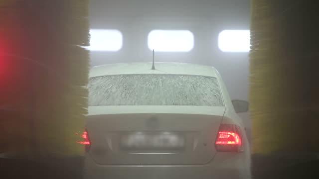 automatic carwash - surf garage bildbanksvideor och videomaterial från bakom kulisserna