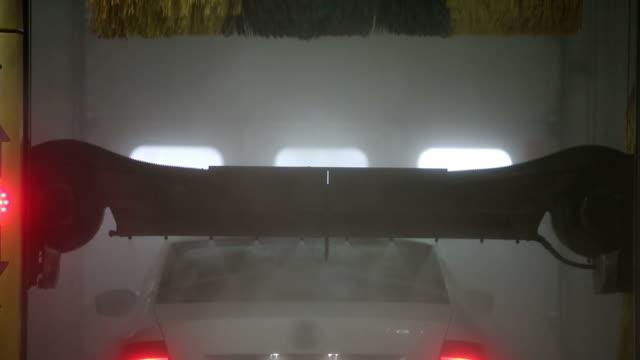 automatic carwash. with sound - surf garage bildbanksvideor och videomaterial från bakom kulisserna