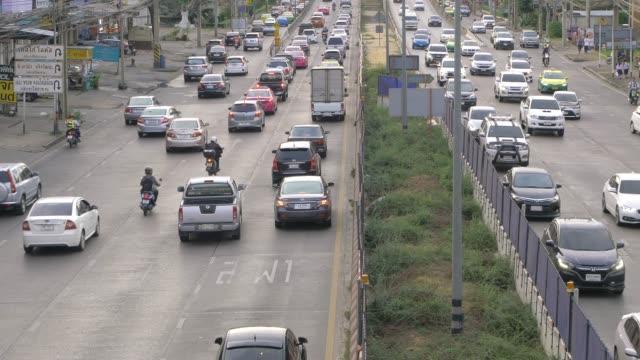 sabah acele saat otomobil tıkanıklığı - güneydoğu asya stok videoları ve detay görüntü çekimi