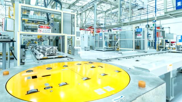 производственное оборудование автомобильного завода - моторное транспортное средство стоковые видео и кадры b-roll