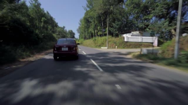 自動車高速道路走行 - 曲線点の映像素材/bロール