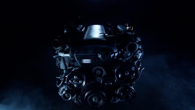 automobile racing förbränningsmotor i en teknisk verkstad - motor bildbanksvideor och videomaterial från bakom kulisserna