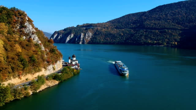 autumn aerial view of danube gorge - cruise video stock e b–roll