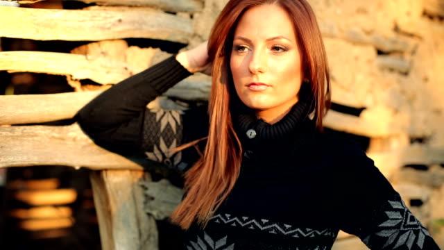 vídeos y material grabado en eventos de stock de y la moda de otoño - moda de otoño