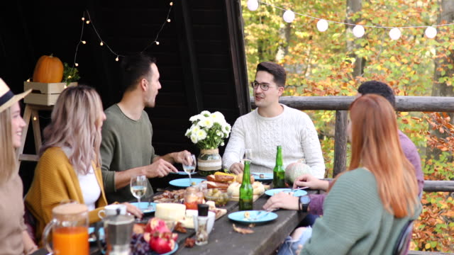 Autumn is here! Let's have a lunch outside!