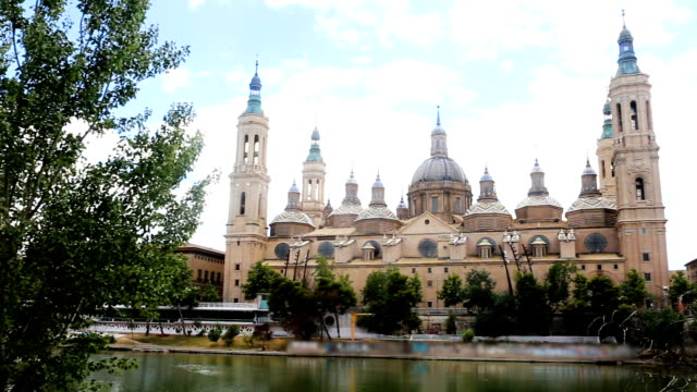 Autumn view of Cathedral in Zaragoza video