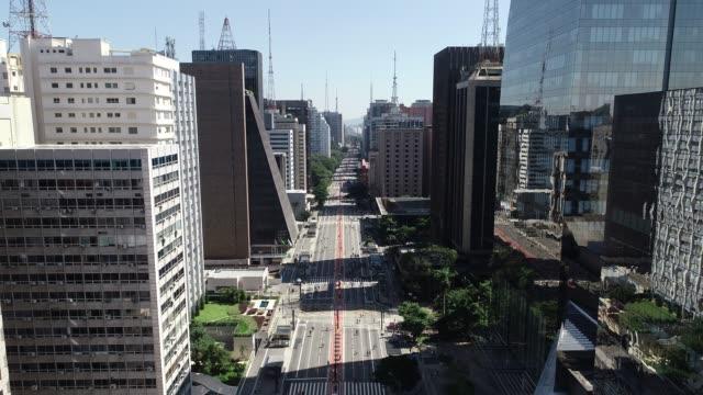 avenida paulista (paulista avenue), sao paulo city, brazil - são paulo video stock e b–roll