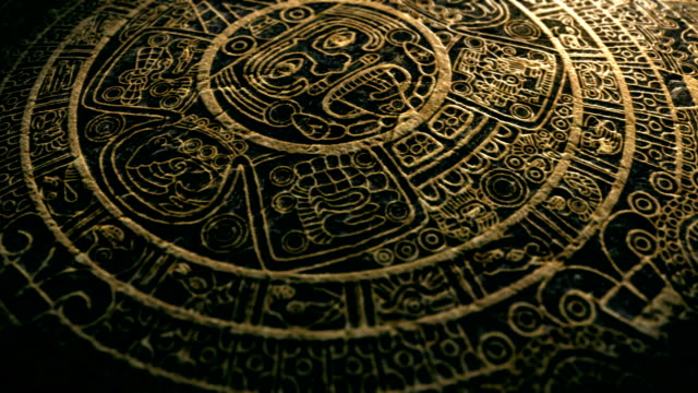 vídeos de stock, filmes e b-roll de mayan calendário de pedra - civilização milenar