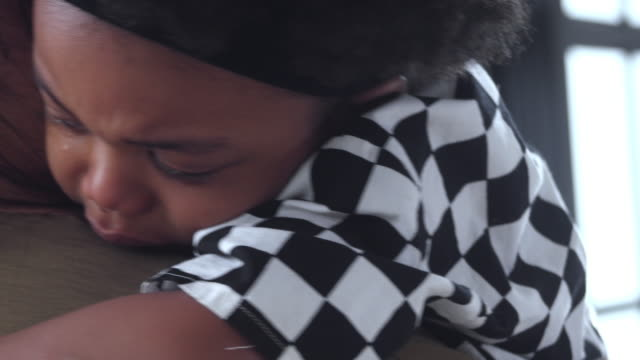 baby boy crying - parenting video stock e b–roll