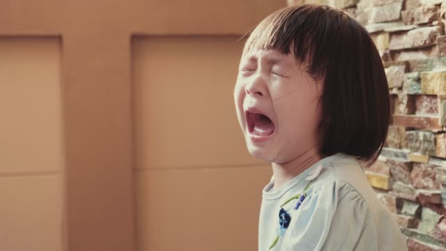 baby girl crying, really emotional - sud est asiatico video stock e b–roll