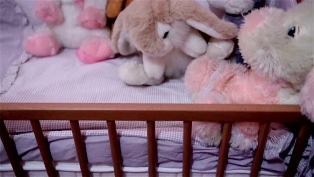 stockvideo's en b-roll-footage met baby toys - speelgoed