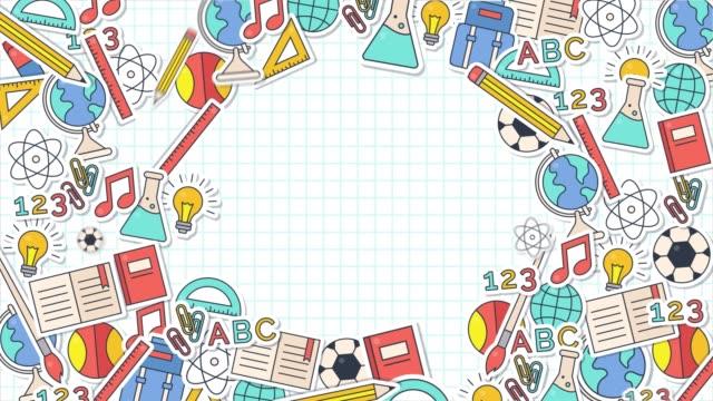 vidéos et rushes de retour à l'école plan doodle animation. dactylographié à la main avec divers outils fixes. vidéo 4k de l'école - fournitures scolaires