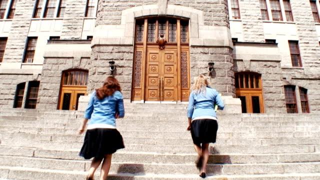 vidéos et rushes de back_to_school - uniforme