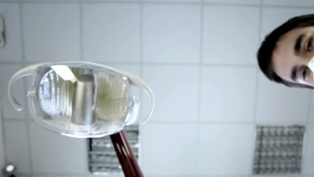 Mala dentista - vídeo