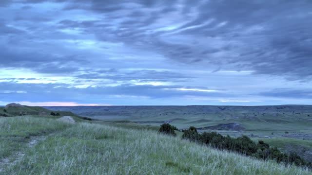badlands national park dawn - time lapse - równina filmów i materiałów b-roll