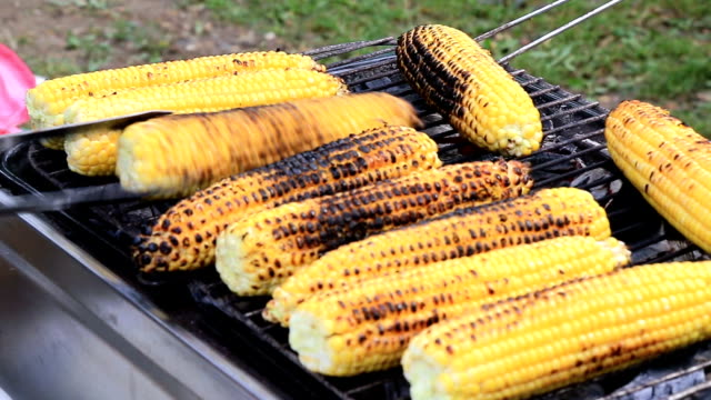 Baked corn on the grill video