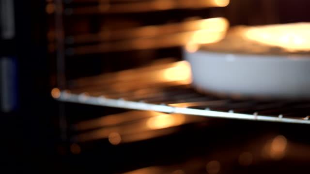Baking a tart video