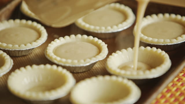 baking sugar pies - nadziewany placek filmów i materiałów b-roll