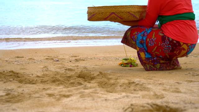 MS PAN Balinese Little Ritual With Canang Sari