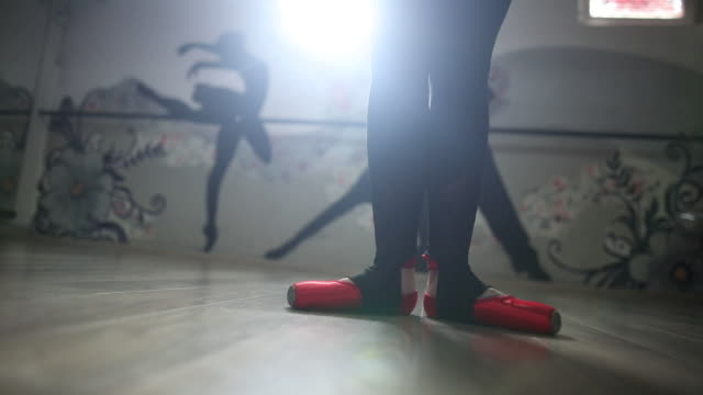 Ballet dancer is preparing to dance video