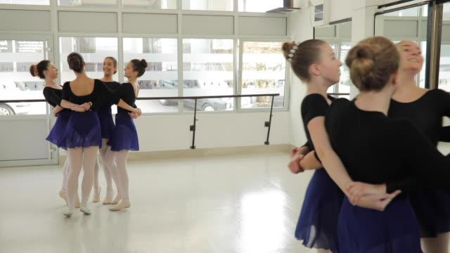 balett flickor spinning - strumpbyxor bildbanksvideor och videomaterial från bakom kulisserna
