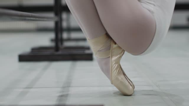 balettskolan - balettstång bildbanksvideor och videomaterial från bakom kulisserna