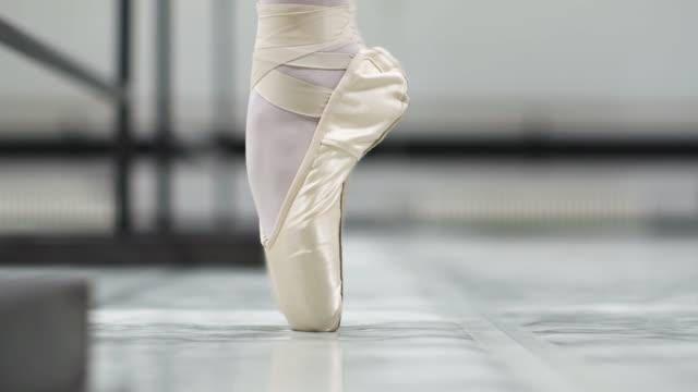 balettskolan - på tå bildbanksvideor och videomaterial från bakom kulisserna
