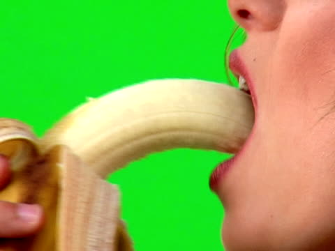 banana bite video