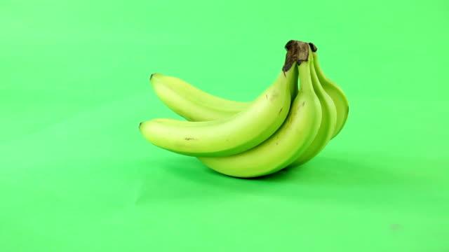 バナナオンにグリーンスクリーン - バナナ点の映像素材/bロール