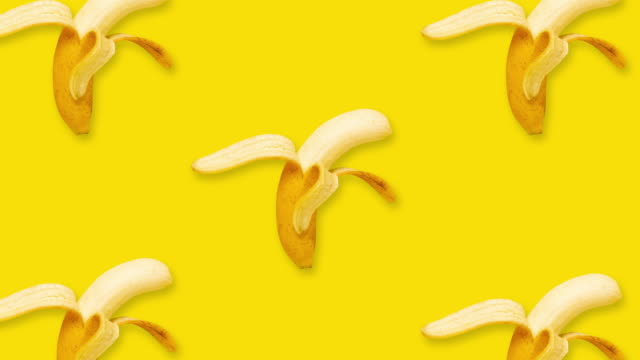 bananas moving and dancing animation at yellow background